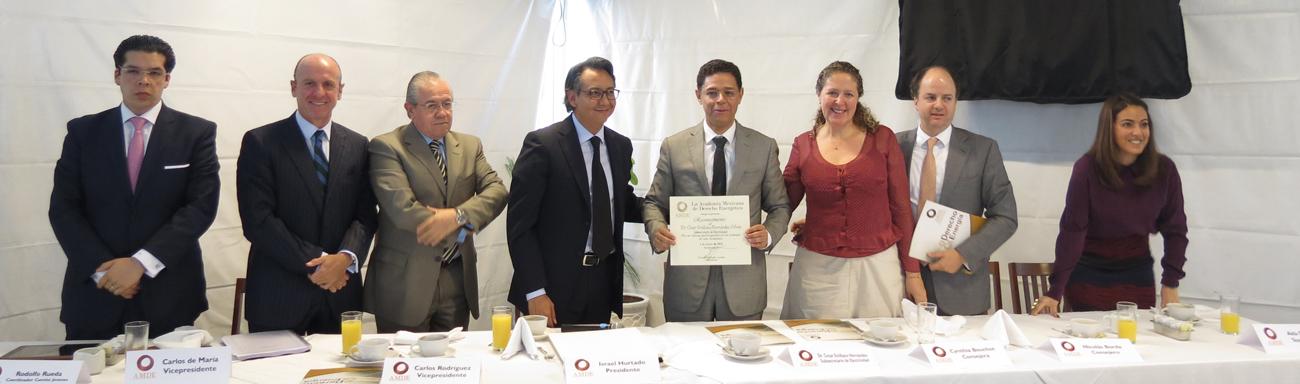 Desayuno-Conferencia Con El Subsecretario De Electricidad, Dr. Cesar Emiliano Hernández Ochoa.